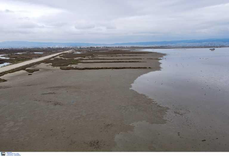 Γιατί υποχωρούν τα νερά στις ελληνικές θάλασσες: Η επιστημονική εξήγηση