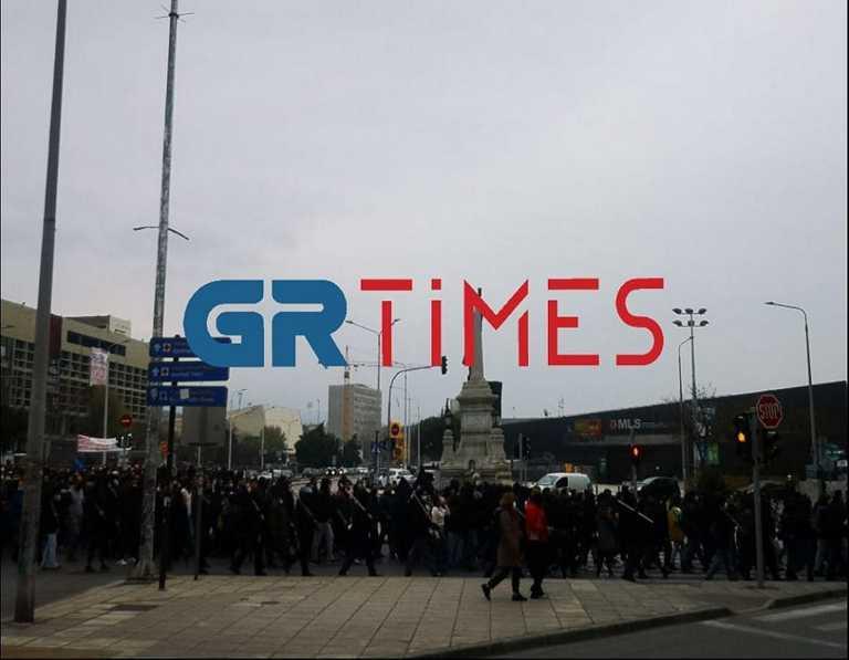 Θεσσαλονίκη: Στους δρόμους οι φοιτητές για την αστυνόμευση στο ΑΠΘ (pics, vid)