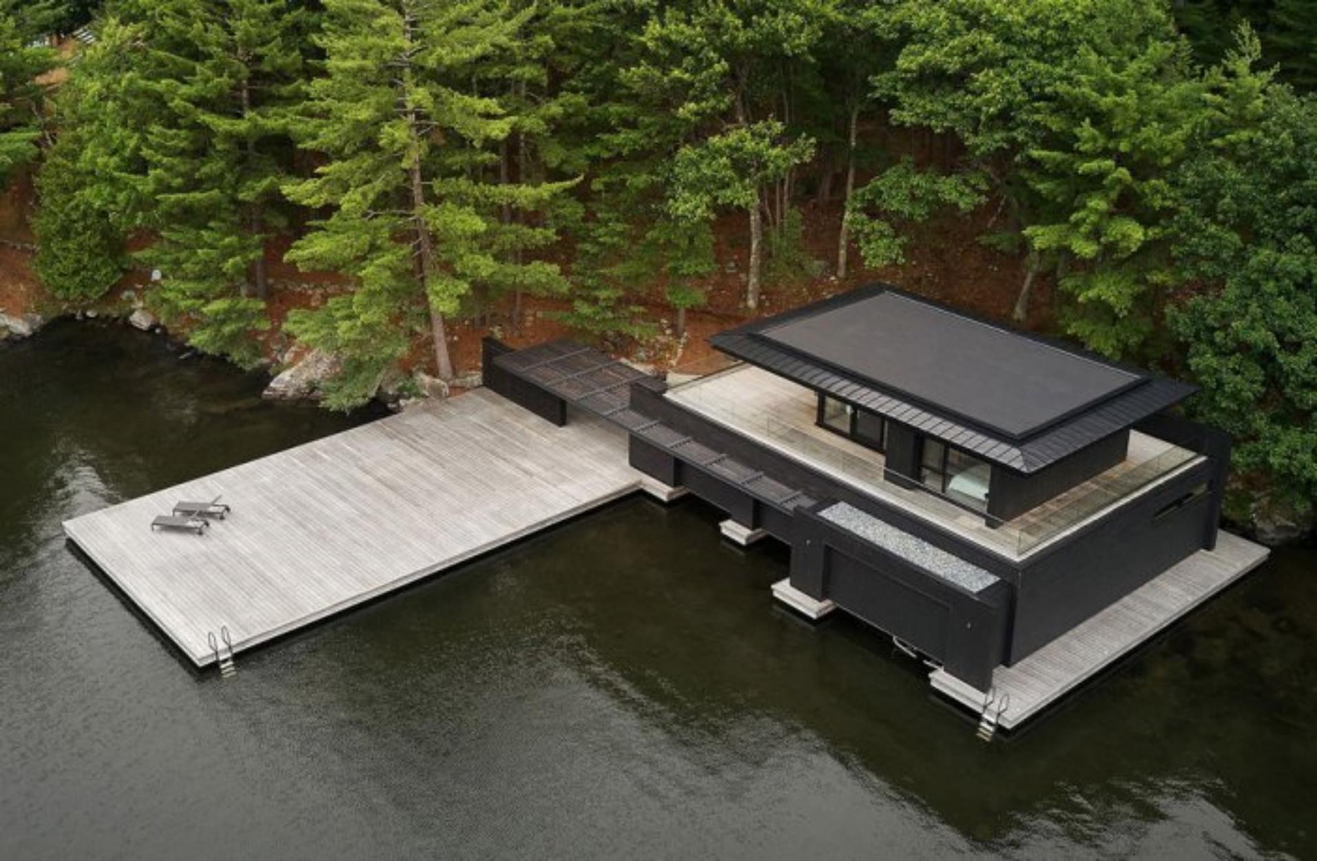 Ένα απίστευτο ξύλινο σπίτι που μιμείται την κίνηση του νερού