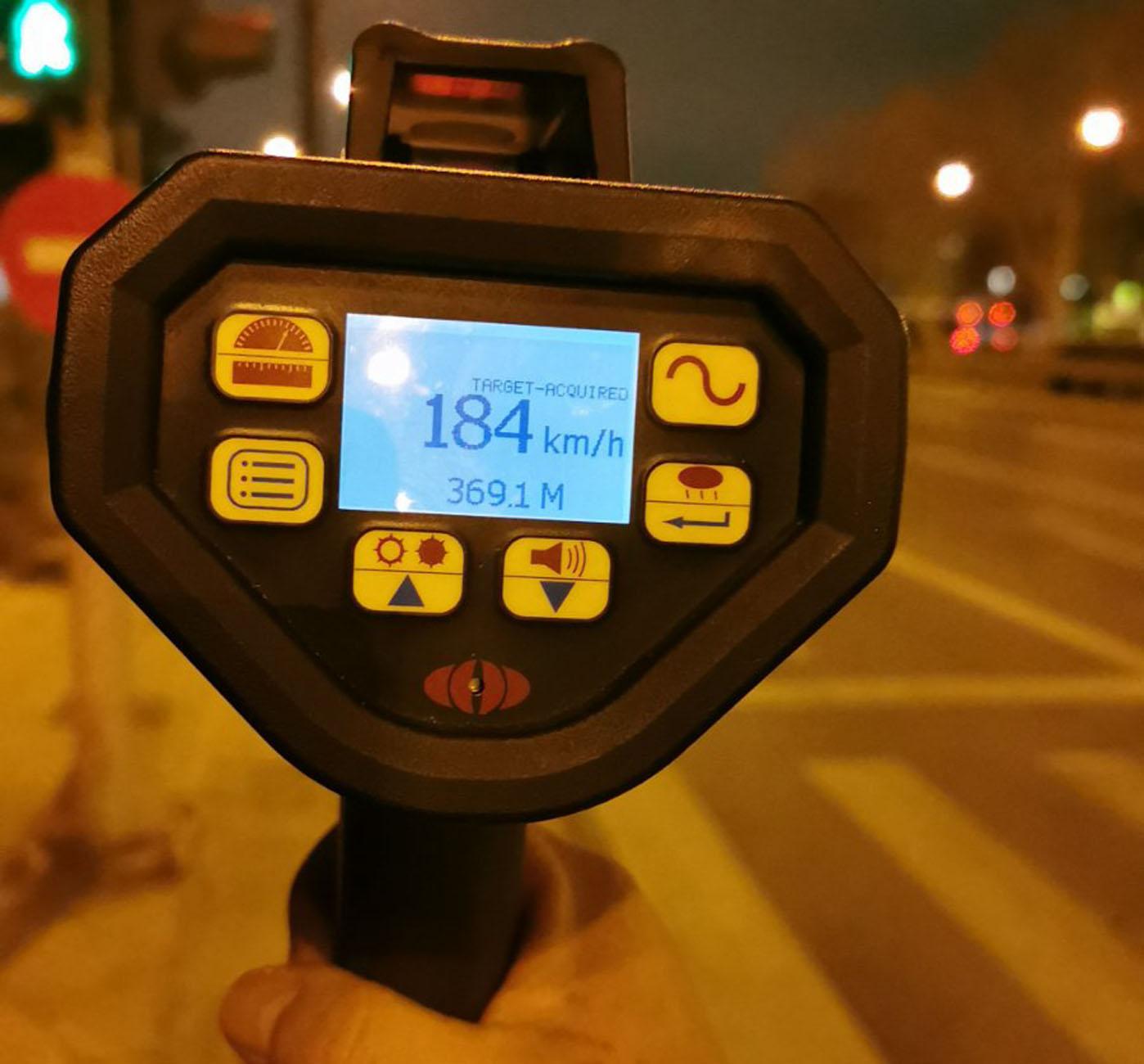 Τροχαία: Πρόστιμα σε «γκαζιάρηδες» σε κεντρικές λεωφόρους στην Αττική – Ταχύτητες ακόμη και 184 χλμ