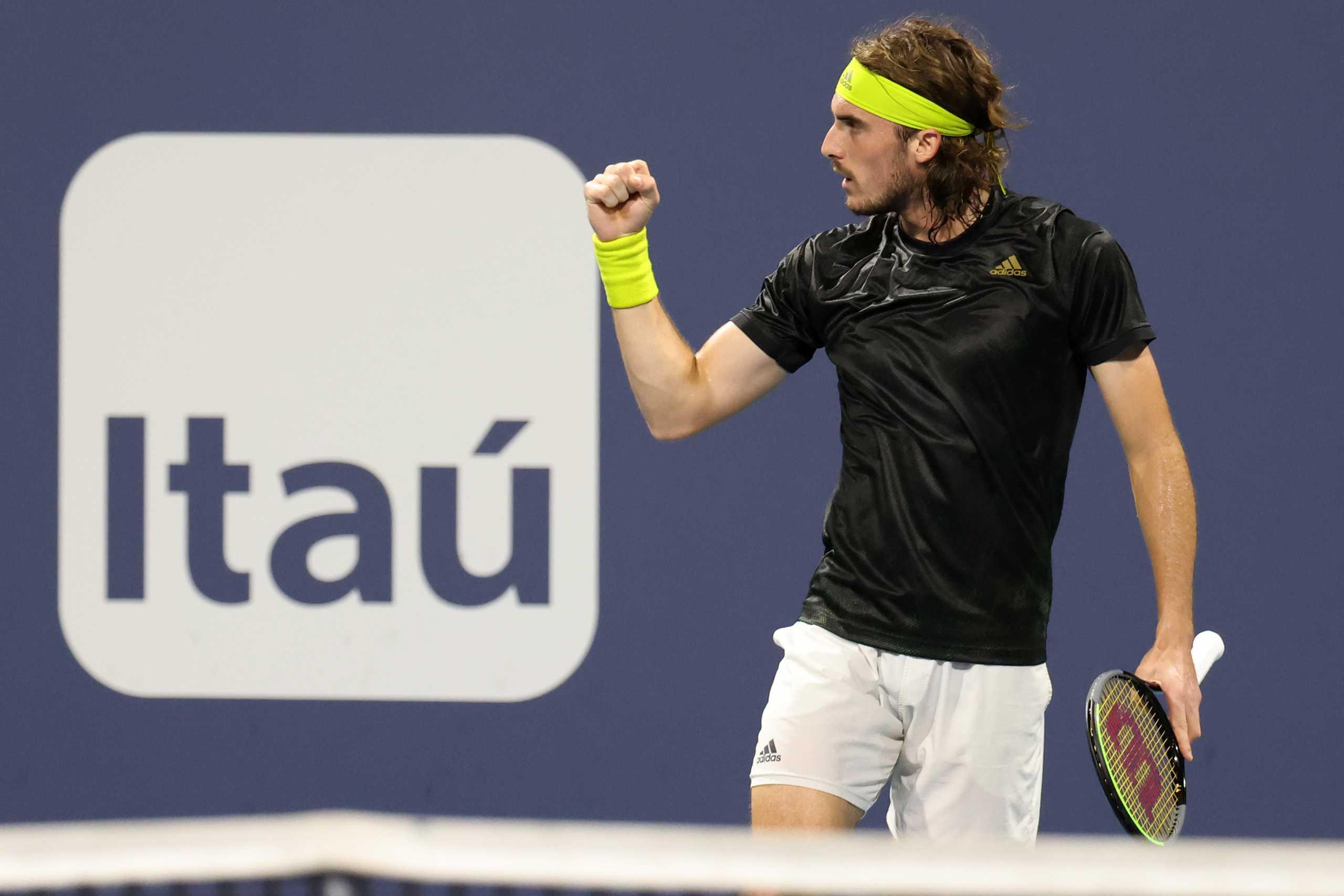 Ο Τσιτσιπάς πέρασε «αέρα» στα προημιτελικά του Barcelona Open