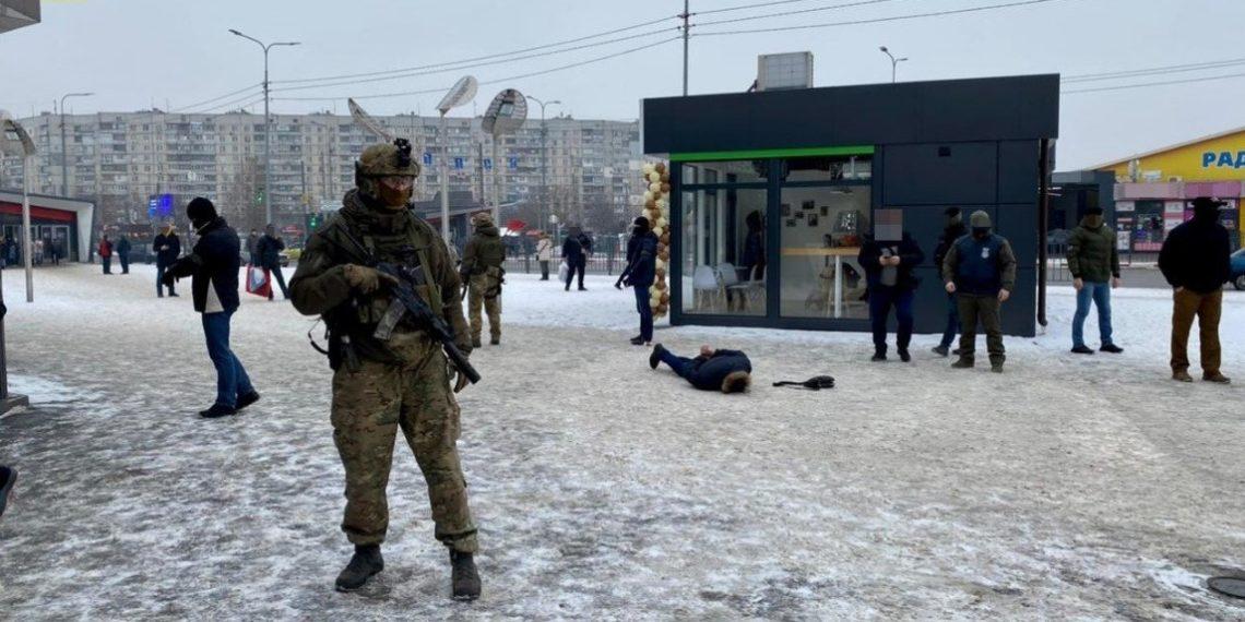 «Τύμπανα πολέμου» στην ανατολική Ουκρανία – Αναπτύσσονται αυτονομιστές και άρματα μάχης [pic, vid]