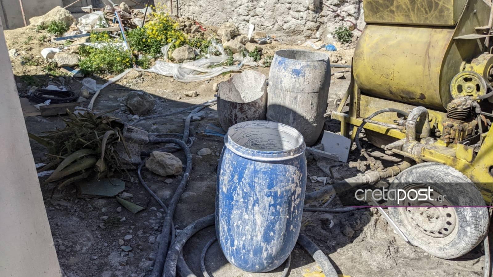 Κρήτη: Αυτοψία στο εργοτάξιο που βρέθηκε αναίσθητο το δίχρονο παιδί μέσα σε βαρέλι – Οι γιατροί «ψάχνουν» ένα δεύτερο θαύμα (pics)