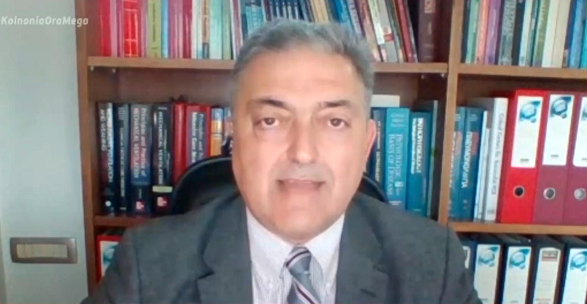Βασιλακόπουλος για νεκρούς από κορονοϊό: Πέφτει στον γκρεμό κάθε μέρα ένα λεωφορείο