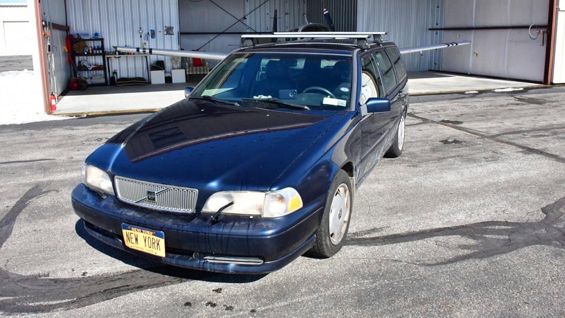 """Αυτό το μεταχειρισμένο Volvo V70 κρύβει έναν """"θησαυρό"""" 20 εκατ. δολαρίων! (pics)"""