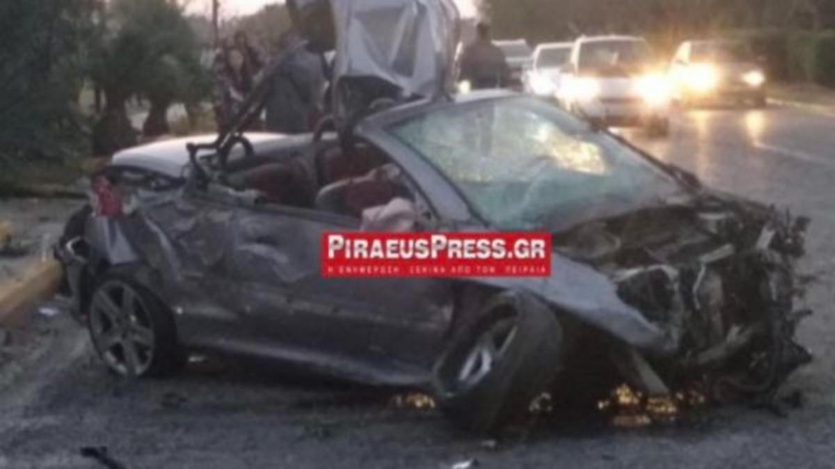 Βούλα: Σοβαρό τροχαίο στην παραλιακή – Αυτοκίνητο έγινε σμπαράλια (pics)