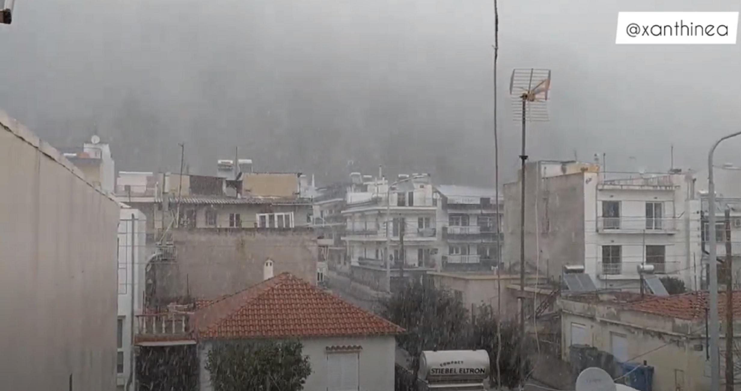 Καιρός – Ξάνθη: Χιόνια και κρύο τσουχτερό – Δείτε τις εικόνες που έφερε η κακοκαιρία (video)