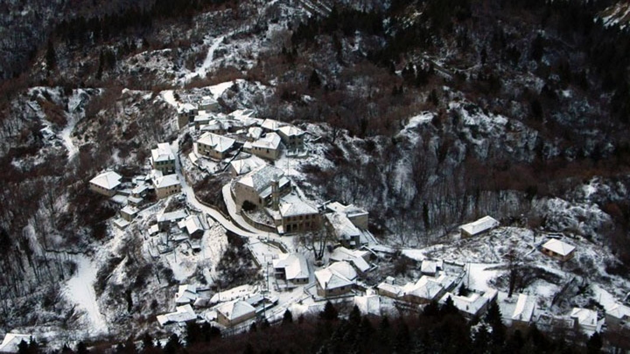 Καιρός – Ιωάννινα: Στα λευκά ντύθηκαν τα ορεινά του νομού