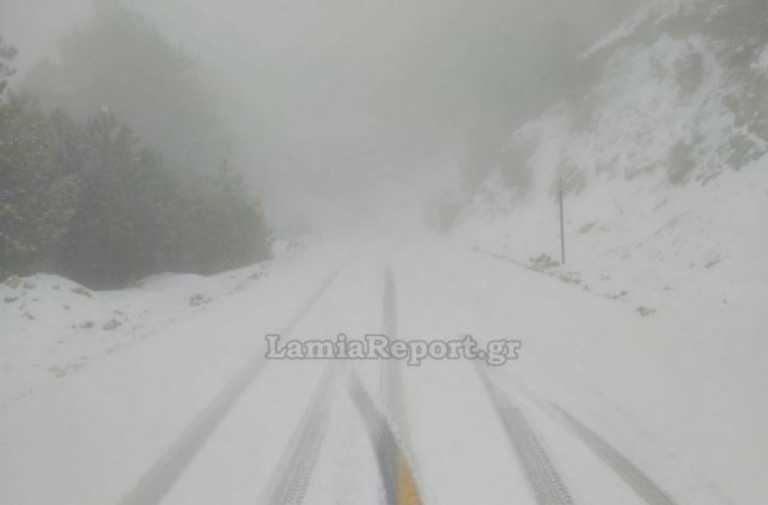 Φθιώτιδα: Ποια άνοιξη;Χιόνια στον δρόμο Λαμίας – Καρπενησίου – Πού εντοπίζονται προβλήματα