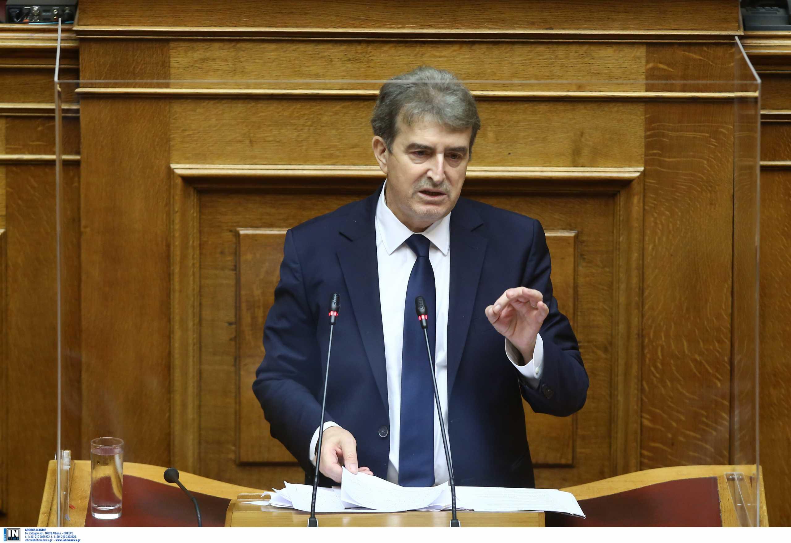Χρυσοχοϊδης σε Τσίπρα: «Ανίερο να σκυλεύεις πολιτική σε φρέσκο αίμα δημοσιογράφου»