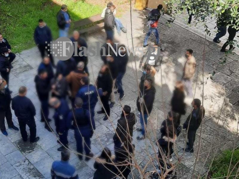 Κρήτη: Πλακώθηκαν στο ξύλο κατά τη διάρκεια της δίκης για τη δολοφονία του κτηνοτρόφου στο Μπαλί του Ρεθύμνου