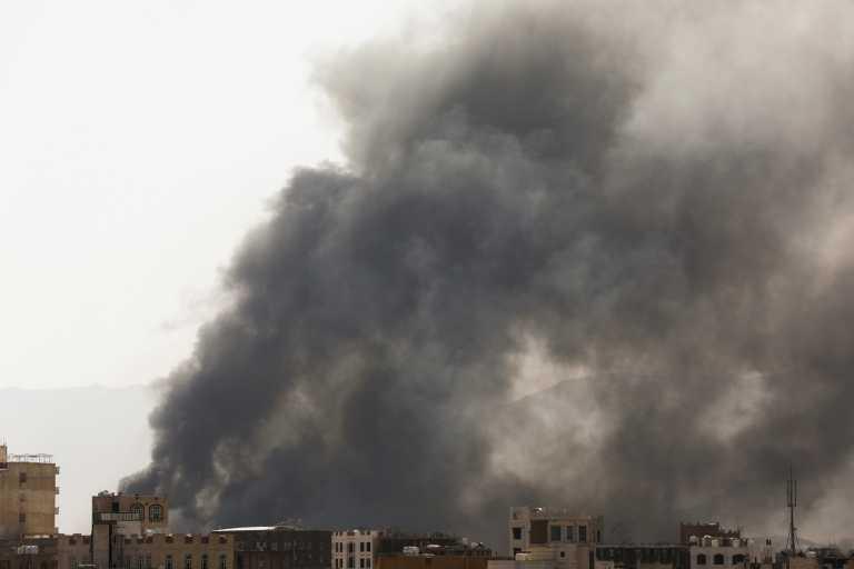 Υεμένη: 60 οι νεκροί από τη φωτιά σε κέντρο μεταναστών
