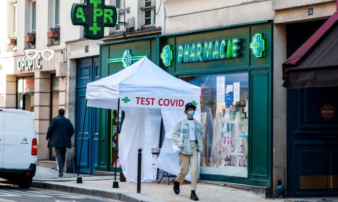 Self test: Ενστάσεις διατυπώνουν οι φαρμακοποιοί – Τι προτίθεται να κάνει η κυβέρνηση