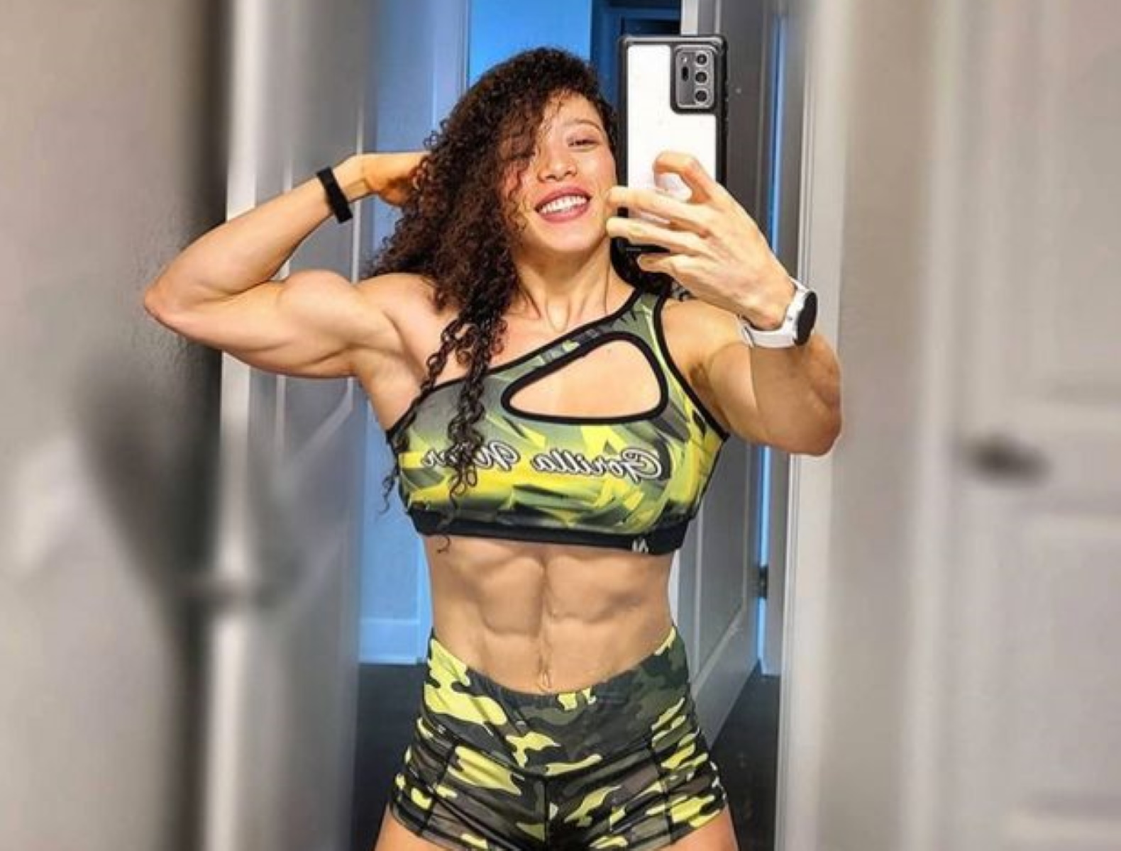 Άγριο κράξιμο σε γνωστή bodybuilder:  «Το σώμα μου είναι 100% φυσικό» (pics)