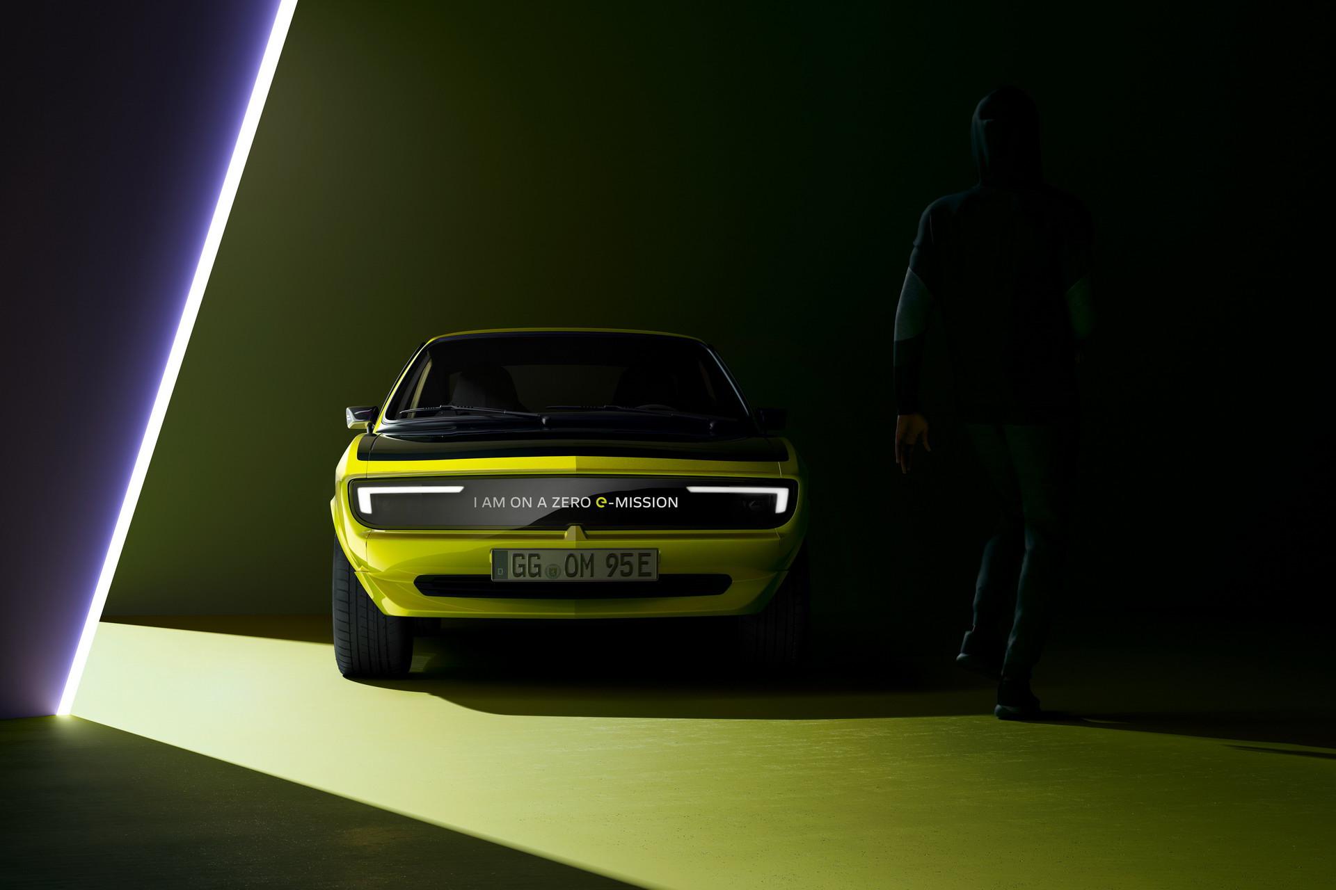 Opel Manta GSe: Ένα βήμα πριν την πλήρη αποκάλυψή του (video)