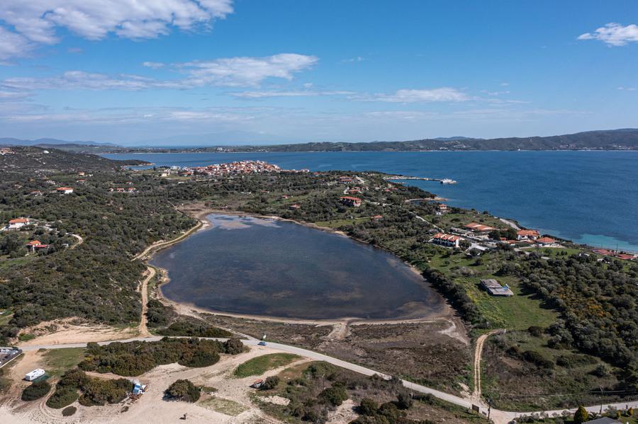 Χαλκιδική: Αυτό είναι το νησί που «ξέχασε» ο κορονοϊός – Κανένα κρούσμα στην Αμμουλιανή από πέρυσι (pics)