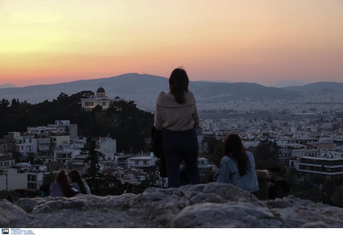 Κορονοϊός: Κοχλάζει η Αττική με 1799 κρούσματα – 512 στη Θεσσαλονίκη, πάνω από 100 στη Λάρισα – Ο χάρτης της διασποράς