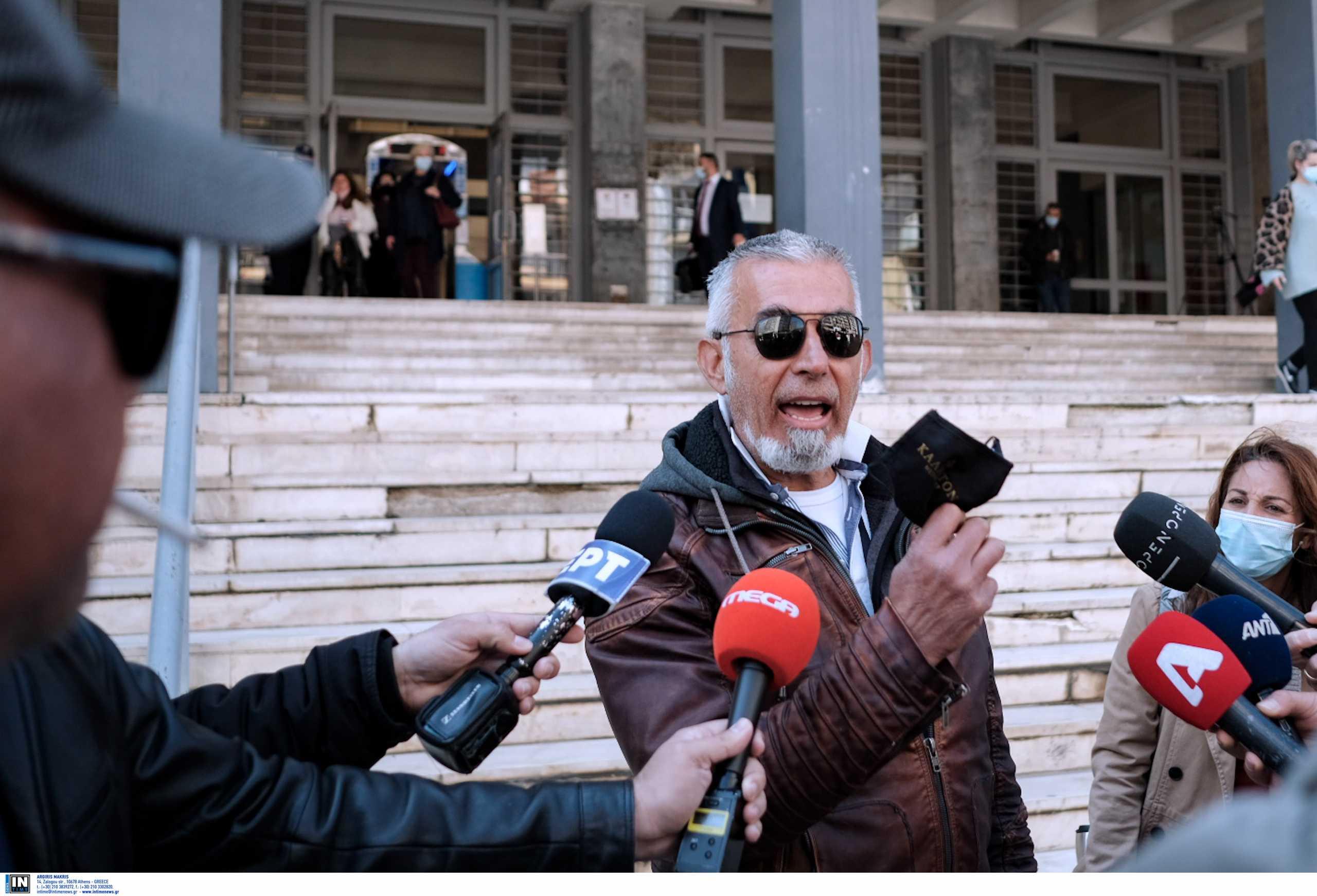 Θεσσαλονίκη: «Παιδιά όλα καλά κερδίσαμε» – Αμετανόητος ο πατέρας του μαθητή που δεν κάνει self test