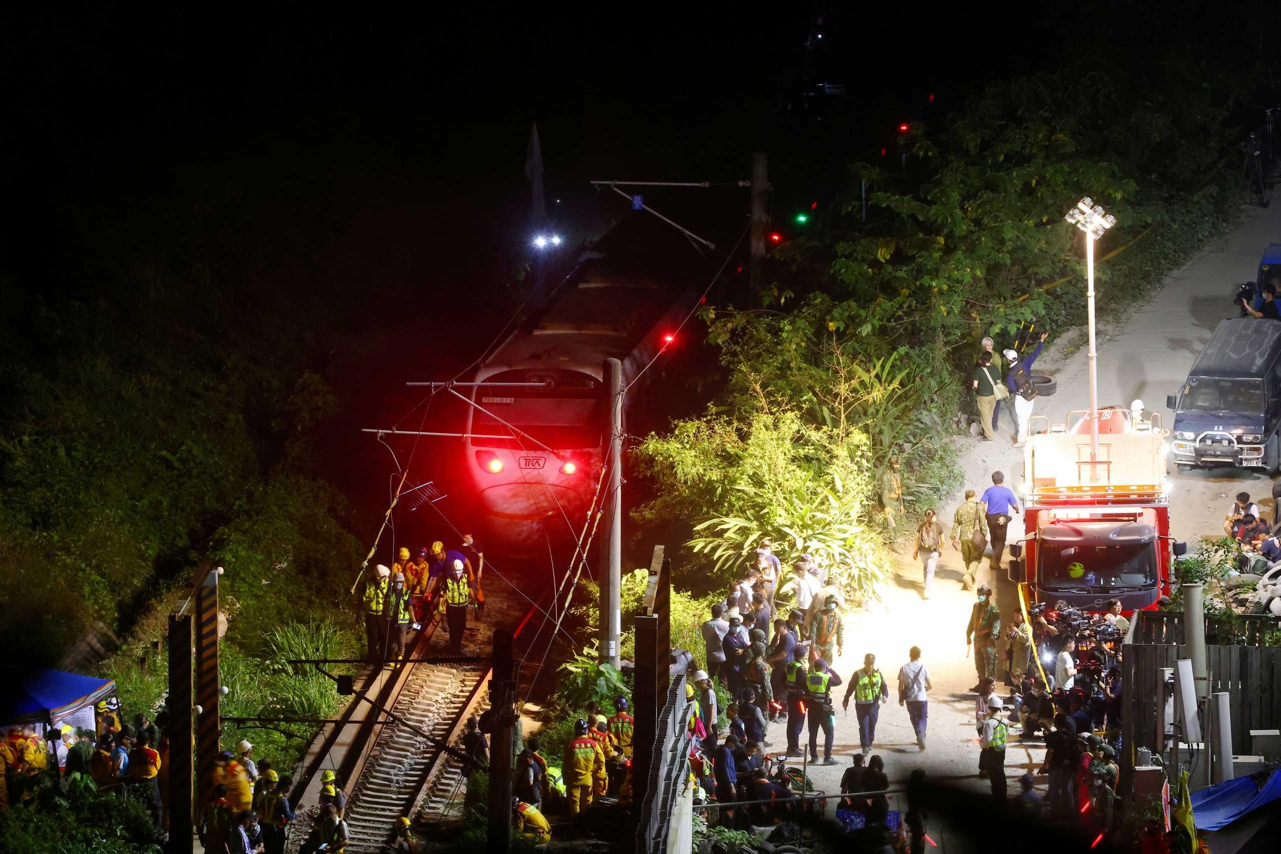 Τουλάχιστον 51 οι νεκροί από τη σιδηροδρομική τραγωδία στην Ταϊβάν
