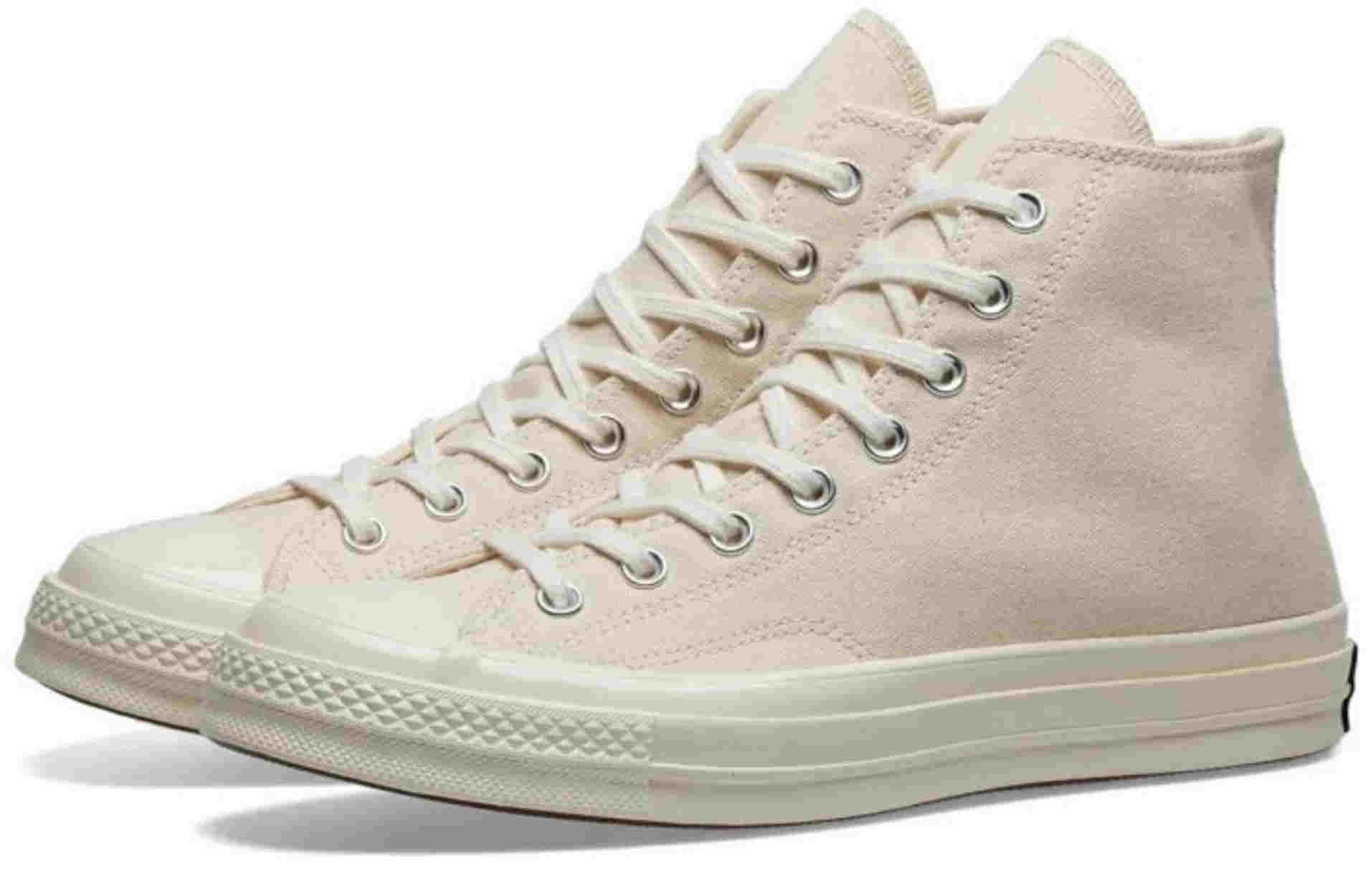 6 sneakers για όλες τις ηλικίες και όλα τα στυλ