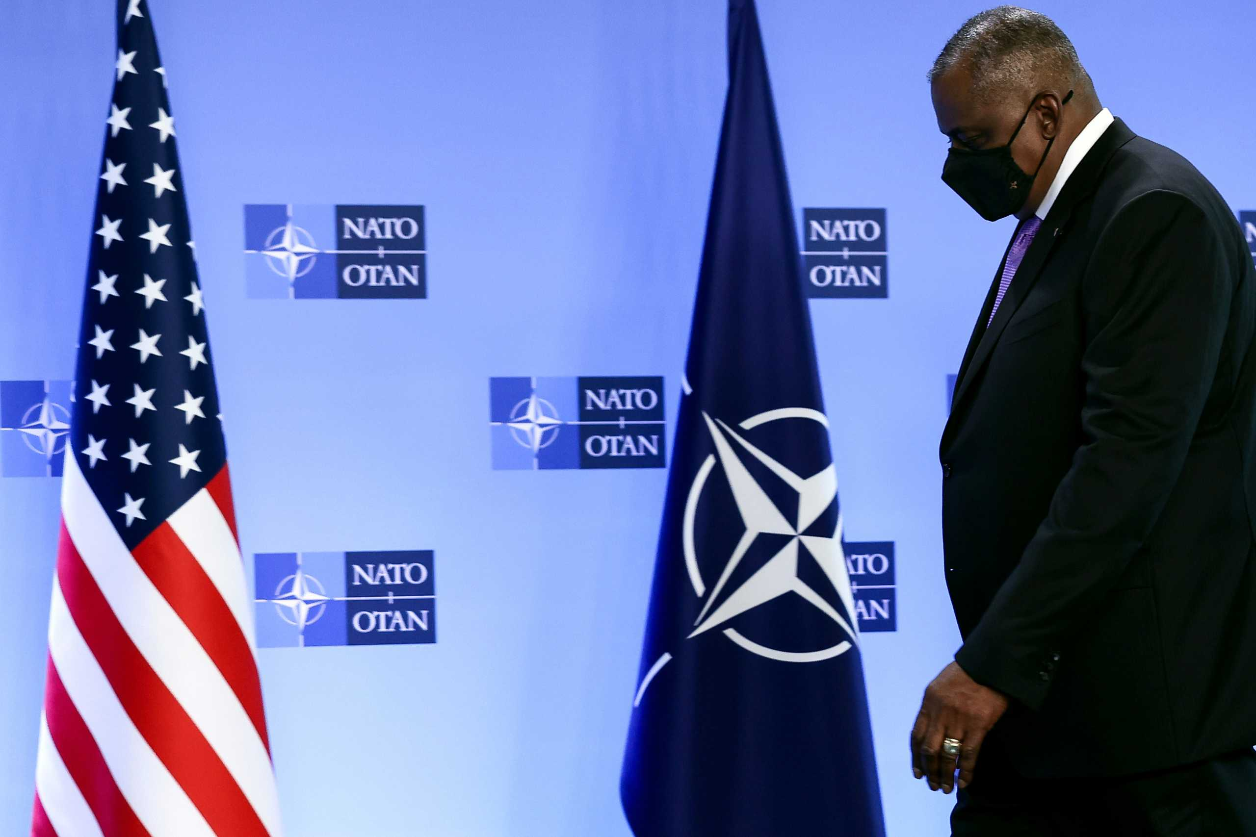 NATO: Οι επιθετικές ενέργειες της Ρωσίας ανησυχούν τον Αμερικανό Υπουργό Άμυνας Όστιν