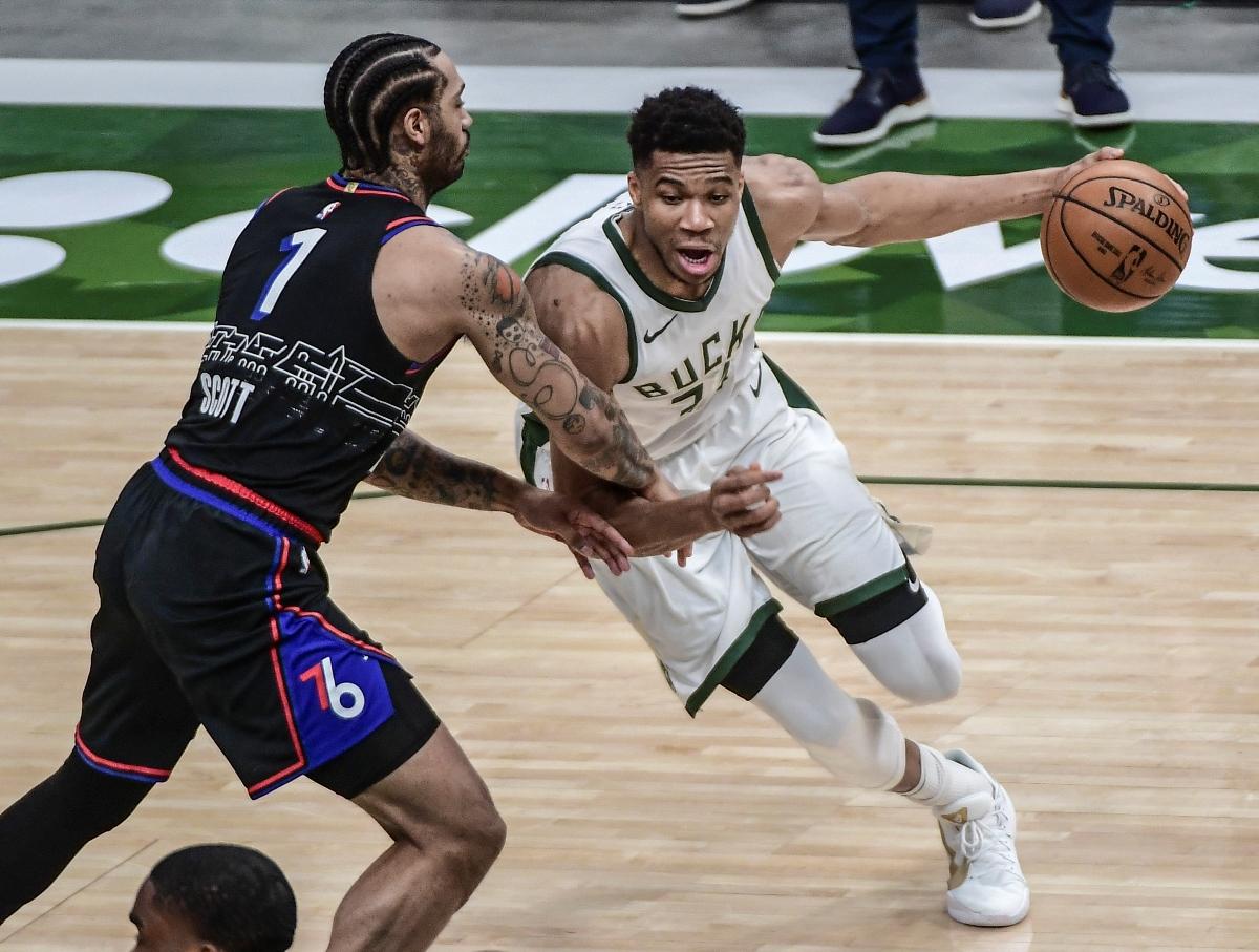 Αντετοκούνμπο: Το double double κόντρα στους 76ers