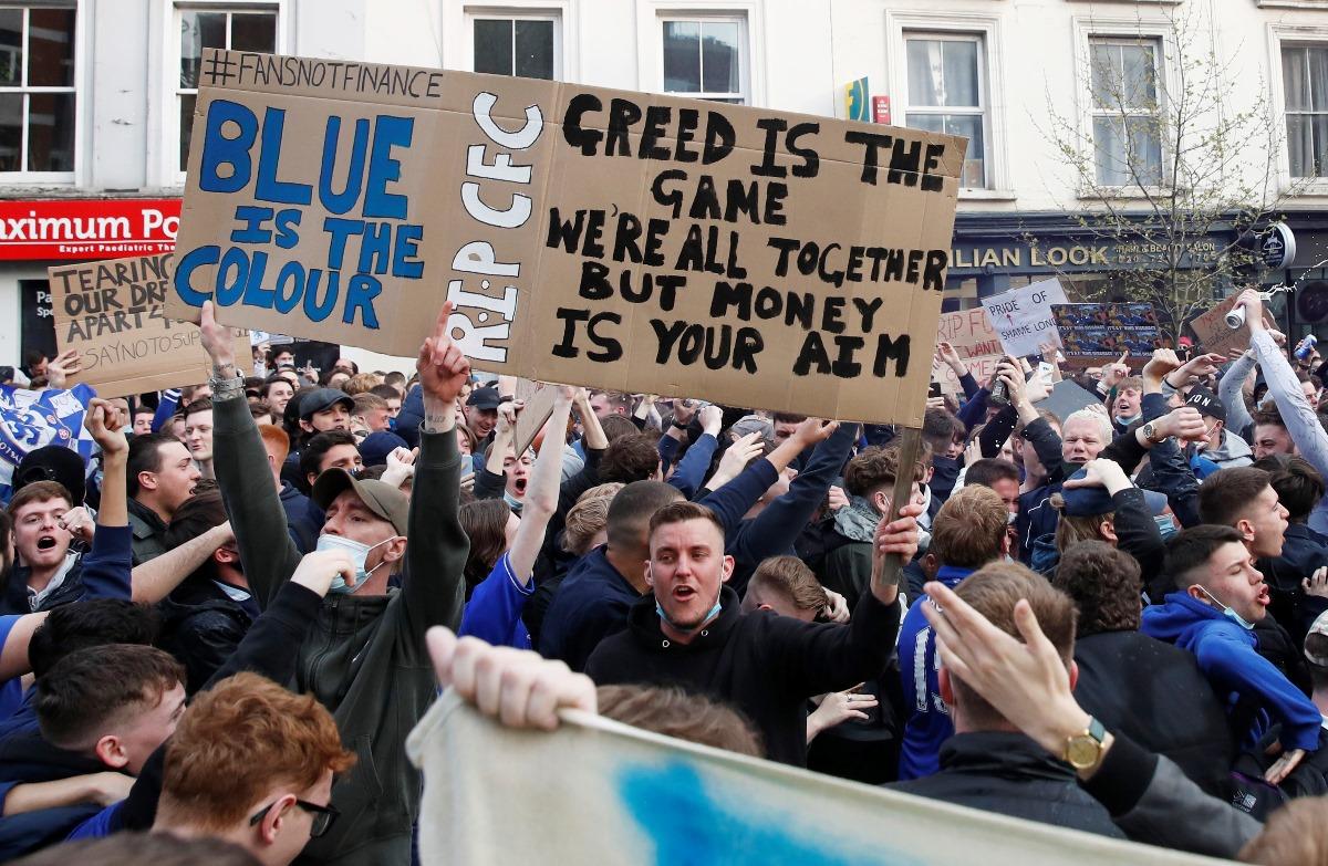 European Super League: Η Τσέλσι κάνει πίσω – Διαμαρτυρίες έξω από το «Στάμφορντ Μπριτζ»