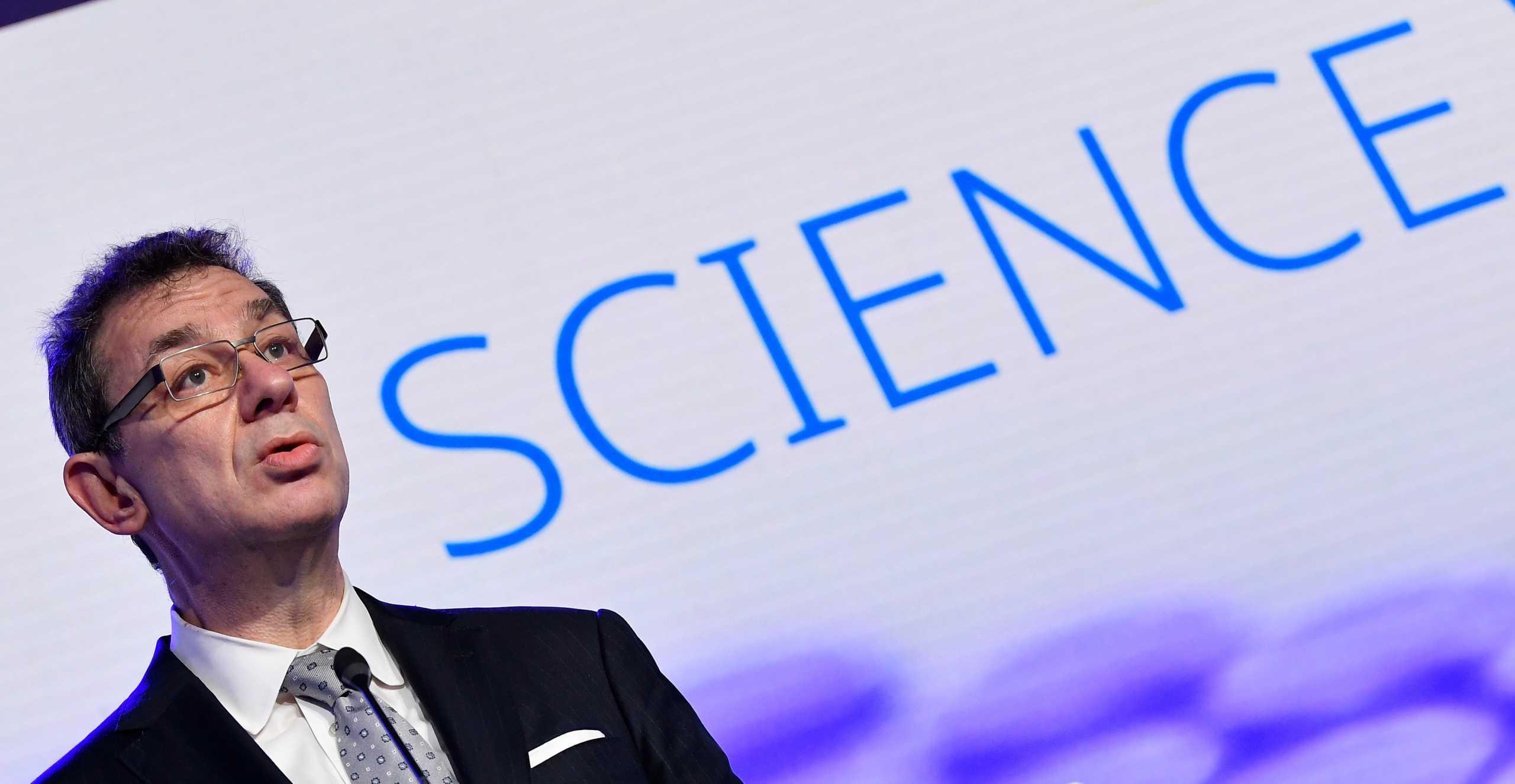 Α. Μπουρλά: Η Pfizer ετοιμάζει εκδοχή του εμβολίου της που θα μπορεί να φυλαχθεί σε «κλασικούς καταψύκτες»