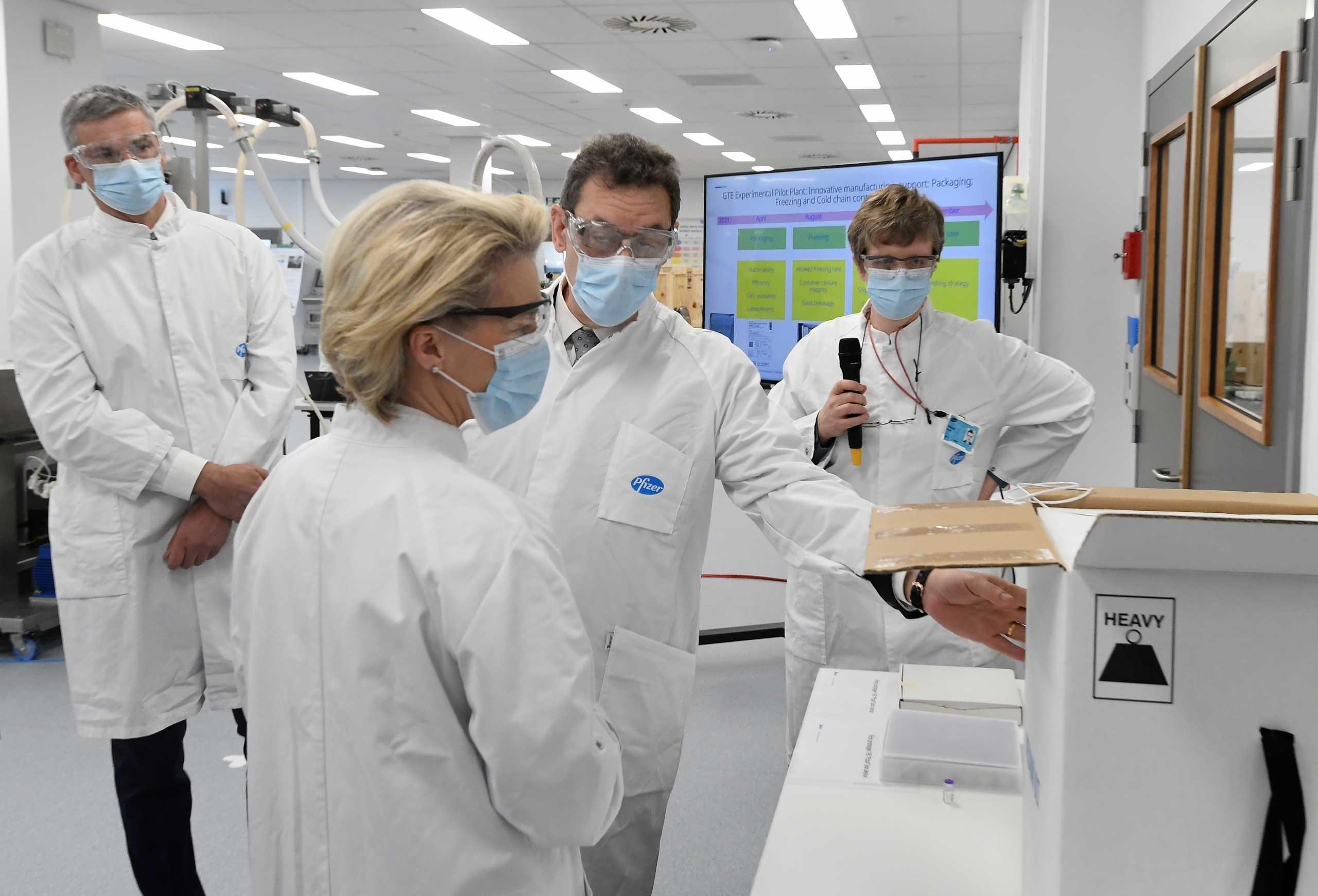 Αυξάνονται οι παραγωγικές δυνατότητες της μονάδας της Pfizer στο Βέλγιο – Στο εργοστάσιο Μπουρλά και Φον Ντερ Λάιεν