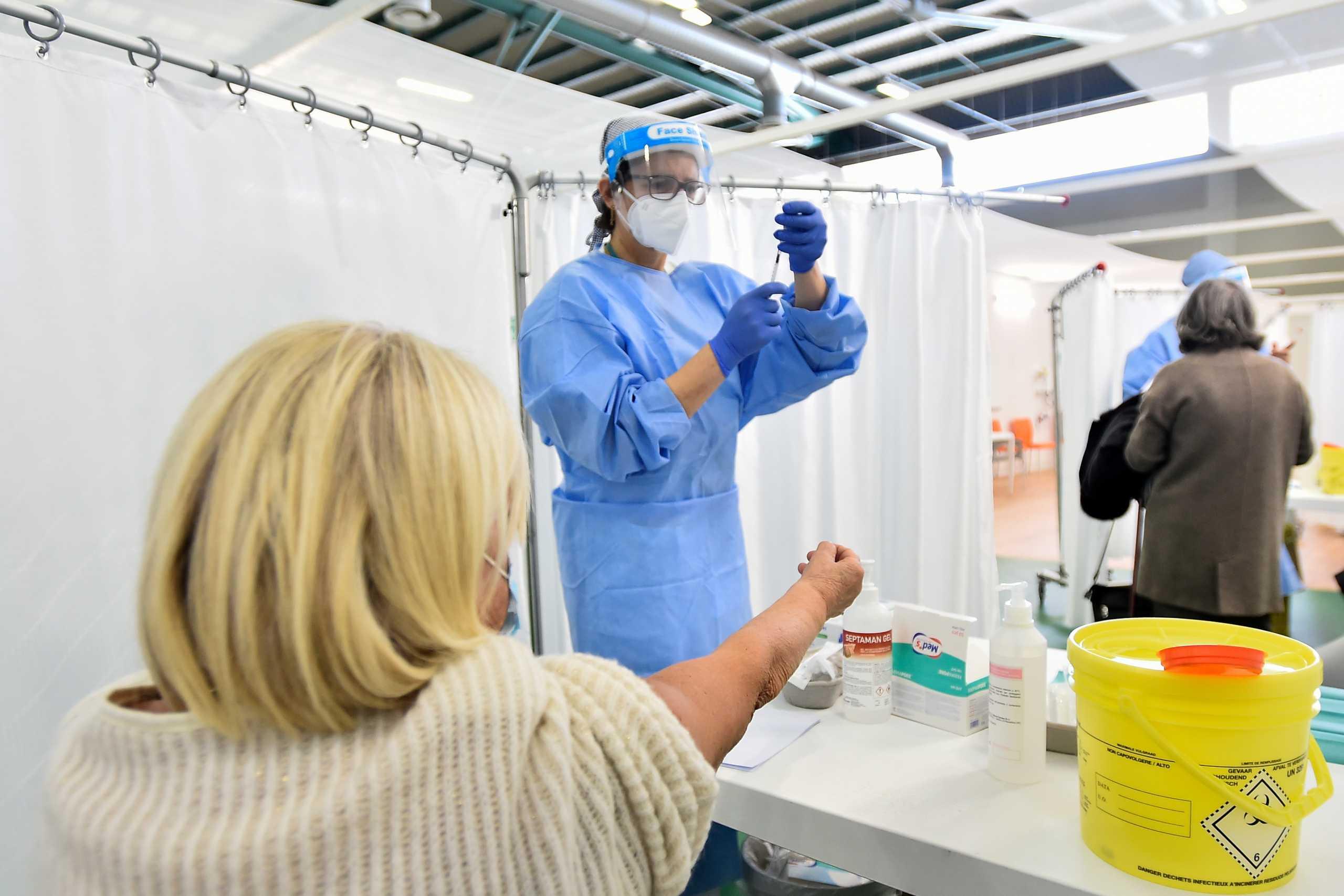 Κορονοϊός: Υπέρ της τρίτης δόσης του εμβολίου ο ιταλικός οργανισμός φαρμάκων
