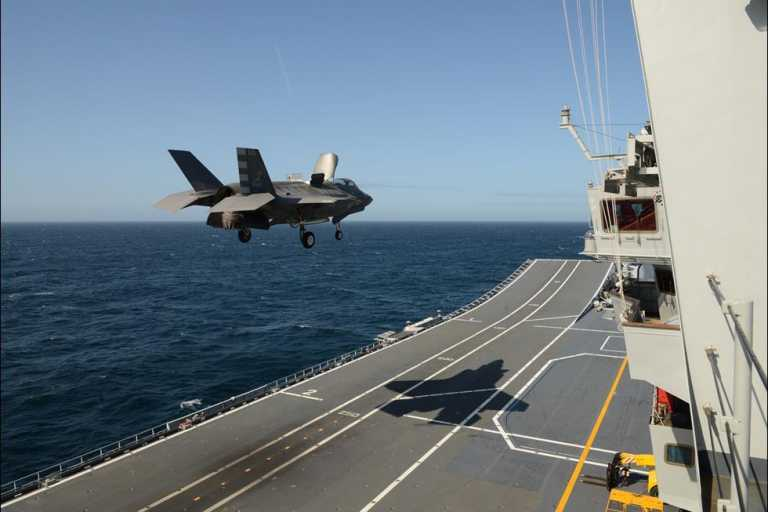 F-35: Η Ιταλία έγραψε ιστορία – Τα stealth μαχητικά της πλέον επιχειρούν από αεροπλανοφόρο! [pics]