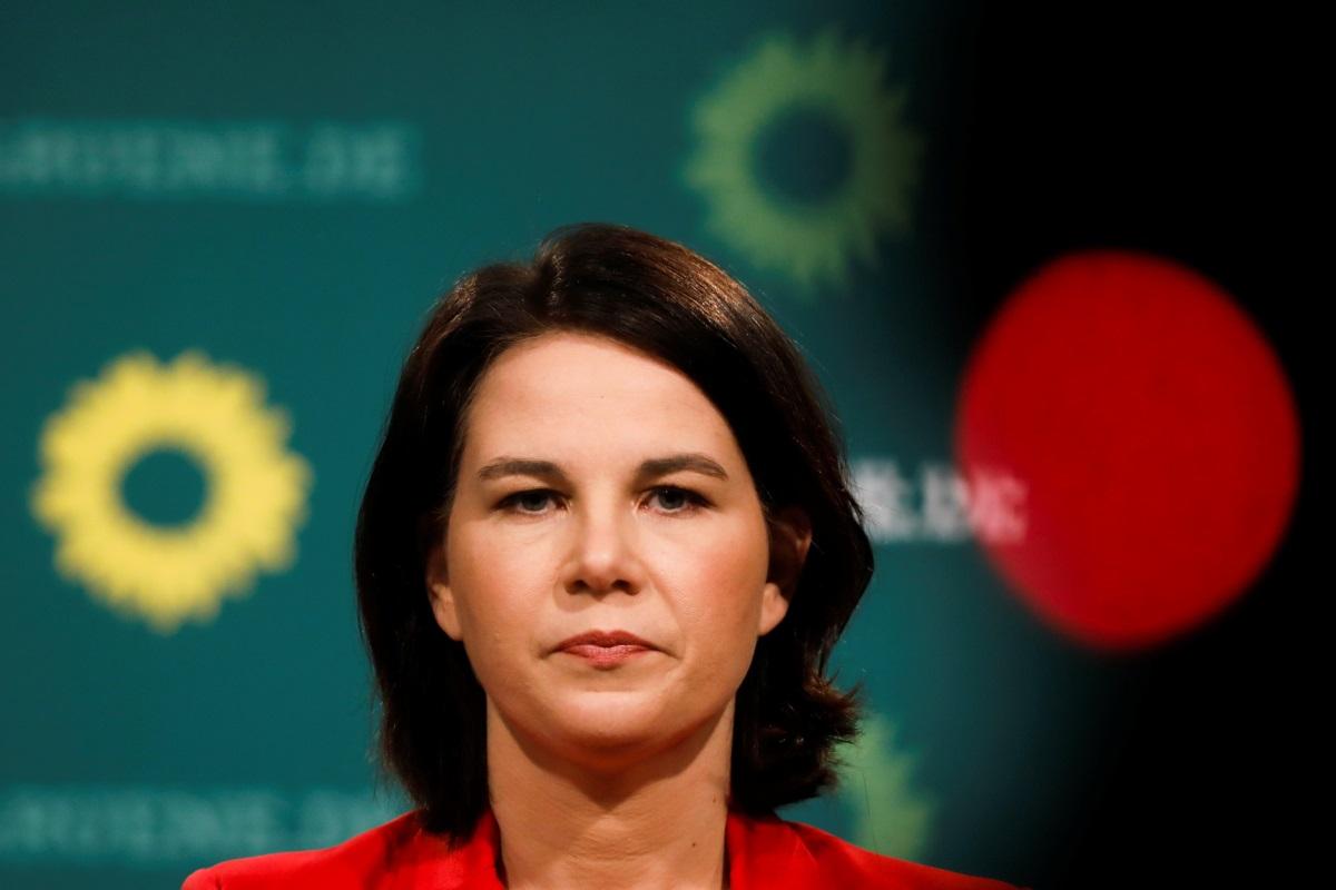 Γερμανία: Σταθερό προβάδισμα της «πράσινης» Αναλένα για το πόστο της Μέρκελ