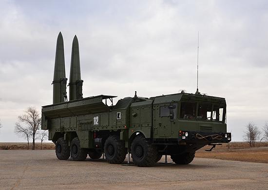 Δεν «παίζει» ο Πούτιν: Η Ρωσία αναπτύσσει βαλλιστικούς πυραύλους Iskander κοντά στην Ουκρανία! [pics]