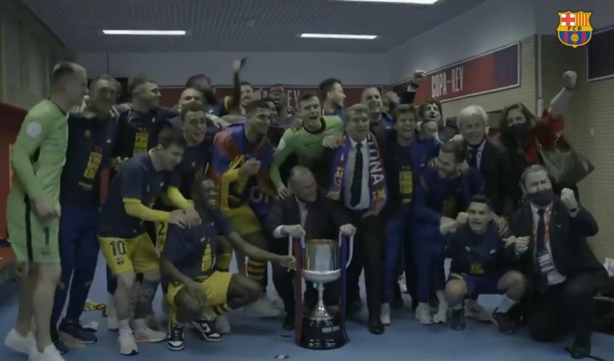 Μπαρτσελόνα: «Τρελοί» πανηγυρισμοί από Λαπόρτα στα αποδυτήρια μετά την κατάκτηση του Κυπέλλου Ισπανίας