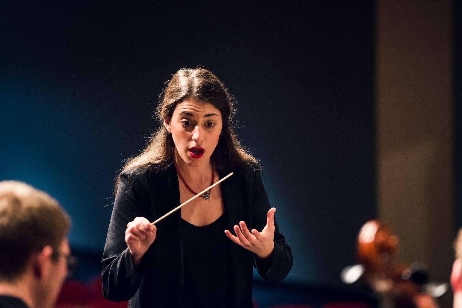 Αυτή είναι η Ελληνίδα μαέστρος Συμφωνικής Ορχήστρας στο Τέξας