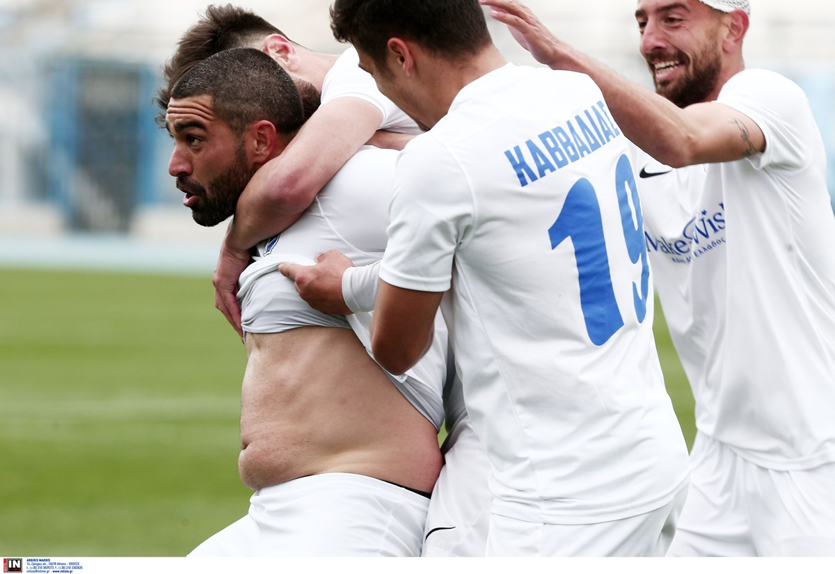 «Θεούλης» Μαρουκάκης – Μιμήθηκε τον Κριστιάνο Ρονάλντο δείχνοντας κοιλιά στον πανηγυρισμό του γκολ (video)