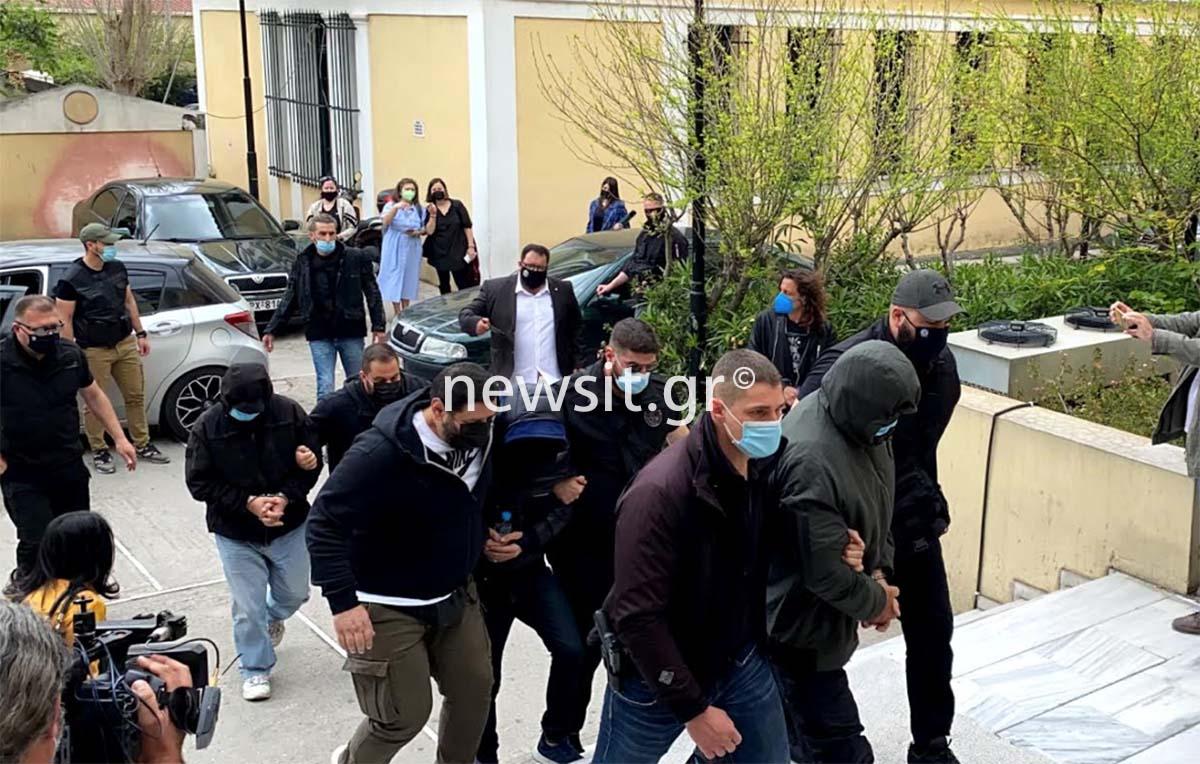 Μένιος Φουρθιώτης: «Σφίγγα» ο παρουσιαστής – Η μόνη φράση που είπε στους αστυνομικούς