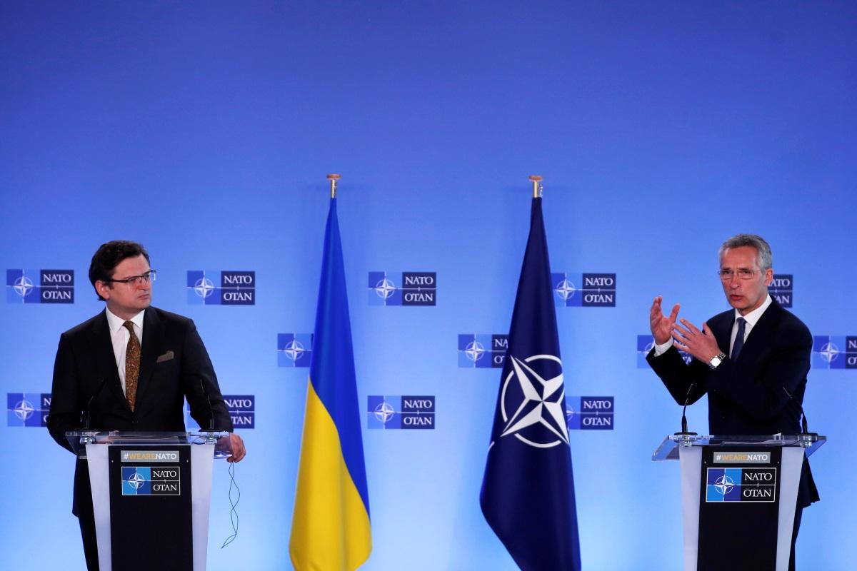 ΝΑΤΟ προς Ρωσία: Σταματήστε την ανάπτυξη δυνάμεων στα σύνορα με την Ουκρανία
