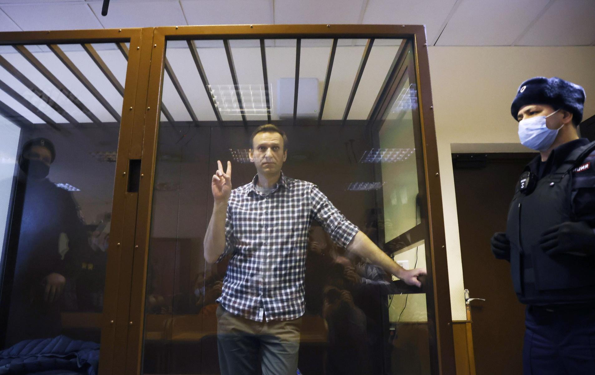Ρωσία: Σταματά την απεργία πείνας στη φυλακή ο Αλεξέι Ναβάλνι