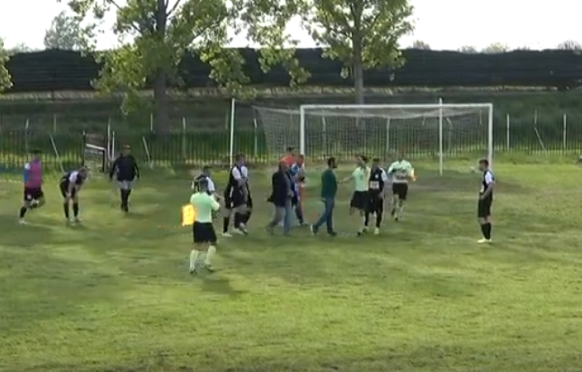 Γ' Εθνική: «Ντου» στο διαιτητή από παίκτες και παράγοντες και διακοπή αγώνα στην Ημαθία