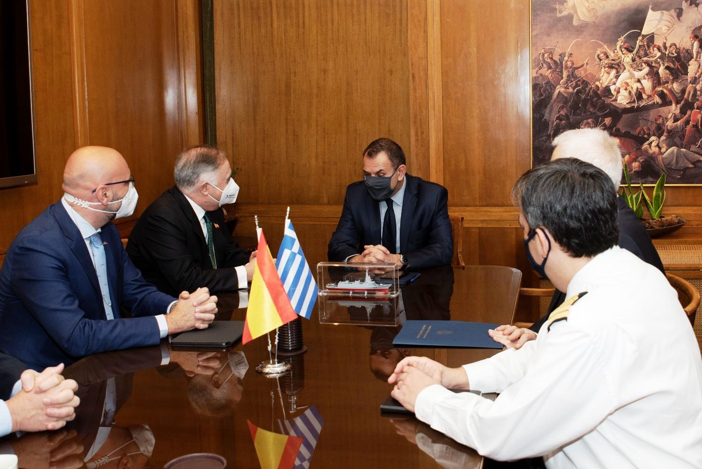 Οι Ισπανοί παρουσίασαν στον Υπουργό Εθνικής Άμυνας την προσφορά για τις φρεγάτες του Ναυτικού!