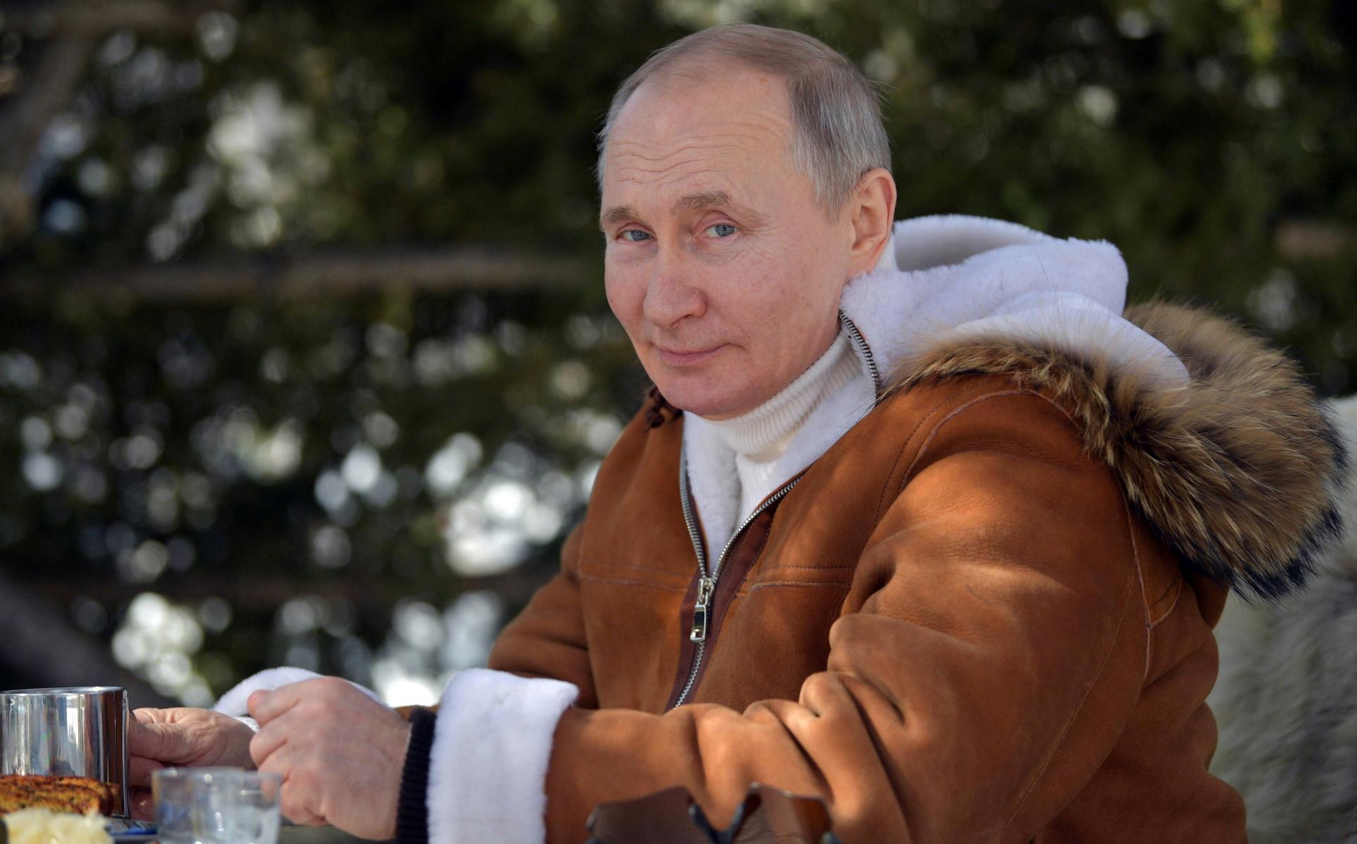 Πούτιν: Το «sex symbol» της Ρωσίας – Ψηφίστηκε από γυναίκες αλλά και άνδρες