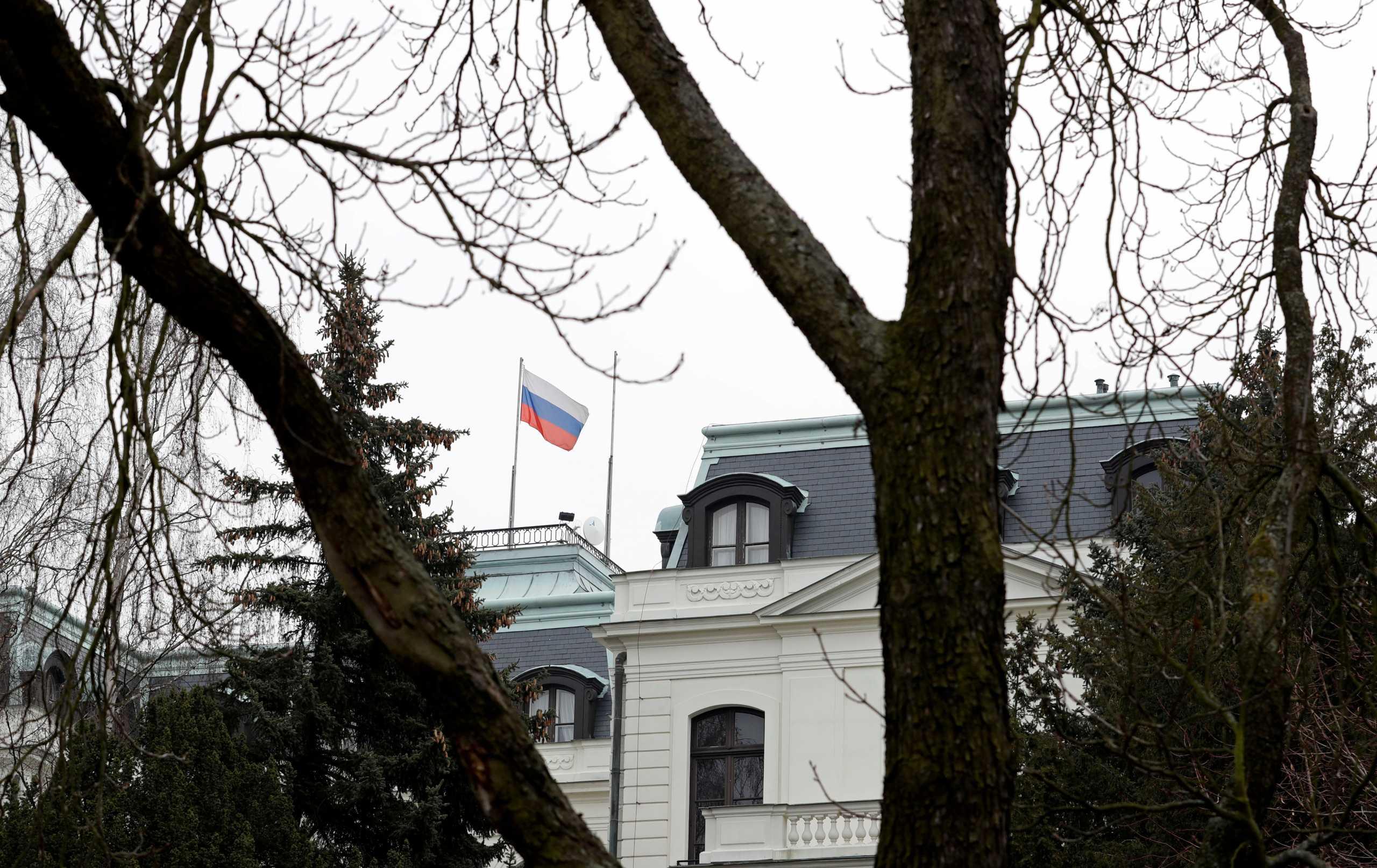 Τσεχία: Θα απελαθούν 18 Ρώσοι διπλωμάτες που κατηγορούνται για κατασκοπεία