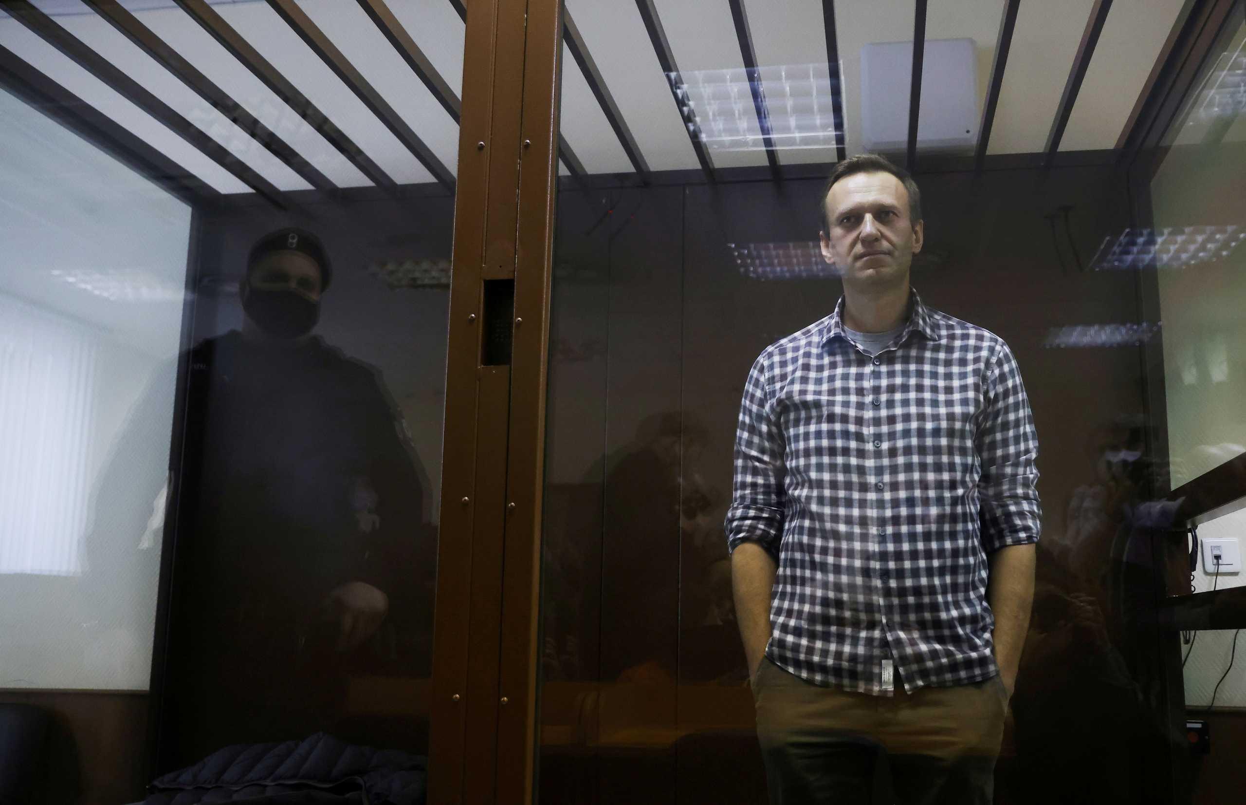 Ναβάλνι: Απειλές από την διοίκηση της φυλακών μετά την απεργία πείνας
