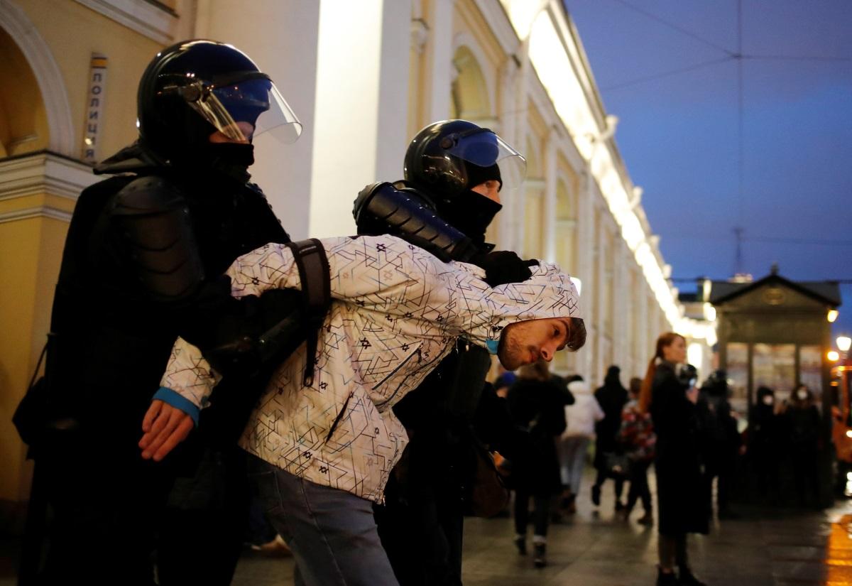 Ρωσία: Ανεπιθύμητοι για 40 χρόνια 122 ξένοι πολίτες που μετείχαν σε «μη εγκεκριμένες» διαδηλώσεις