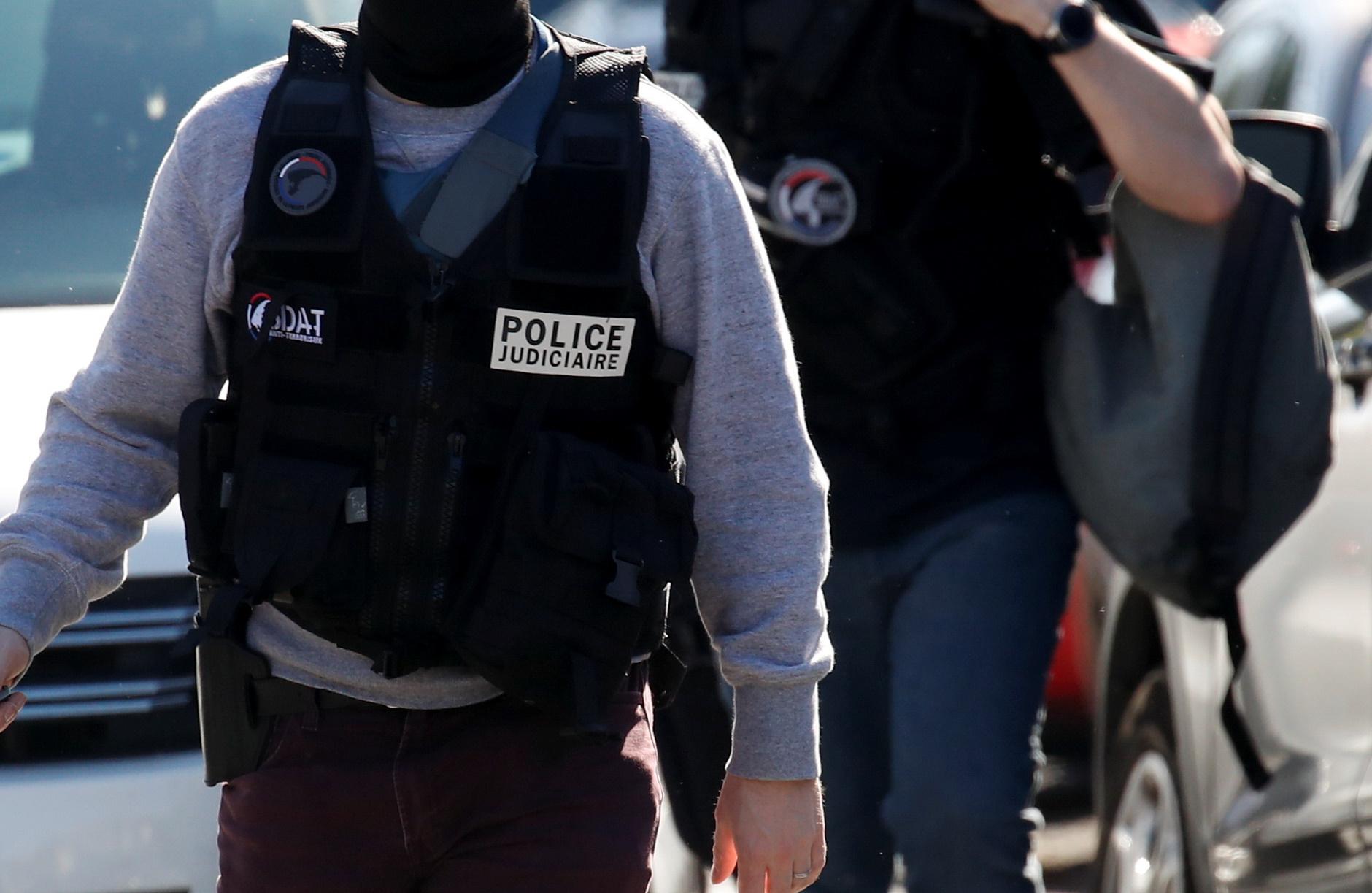 Παραδόθηκε ένας από τους Ιταλούς πρώην τρομοκράτες που ξέφυγαν τη σύλληψη στην επιχείρηση «κόκκινες σκιές»