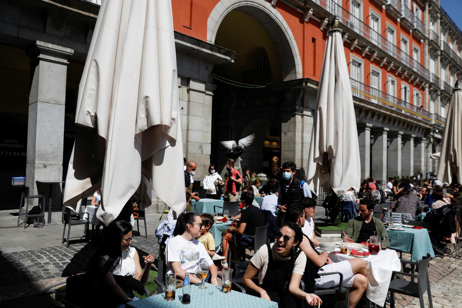Lockdown – Ισπανία: Η χαλάρωση των μέτρων έφερε μείωση της ανεργίας για πρώτη φορά από πέρυσι
