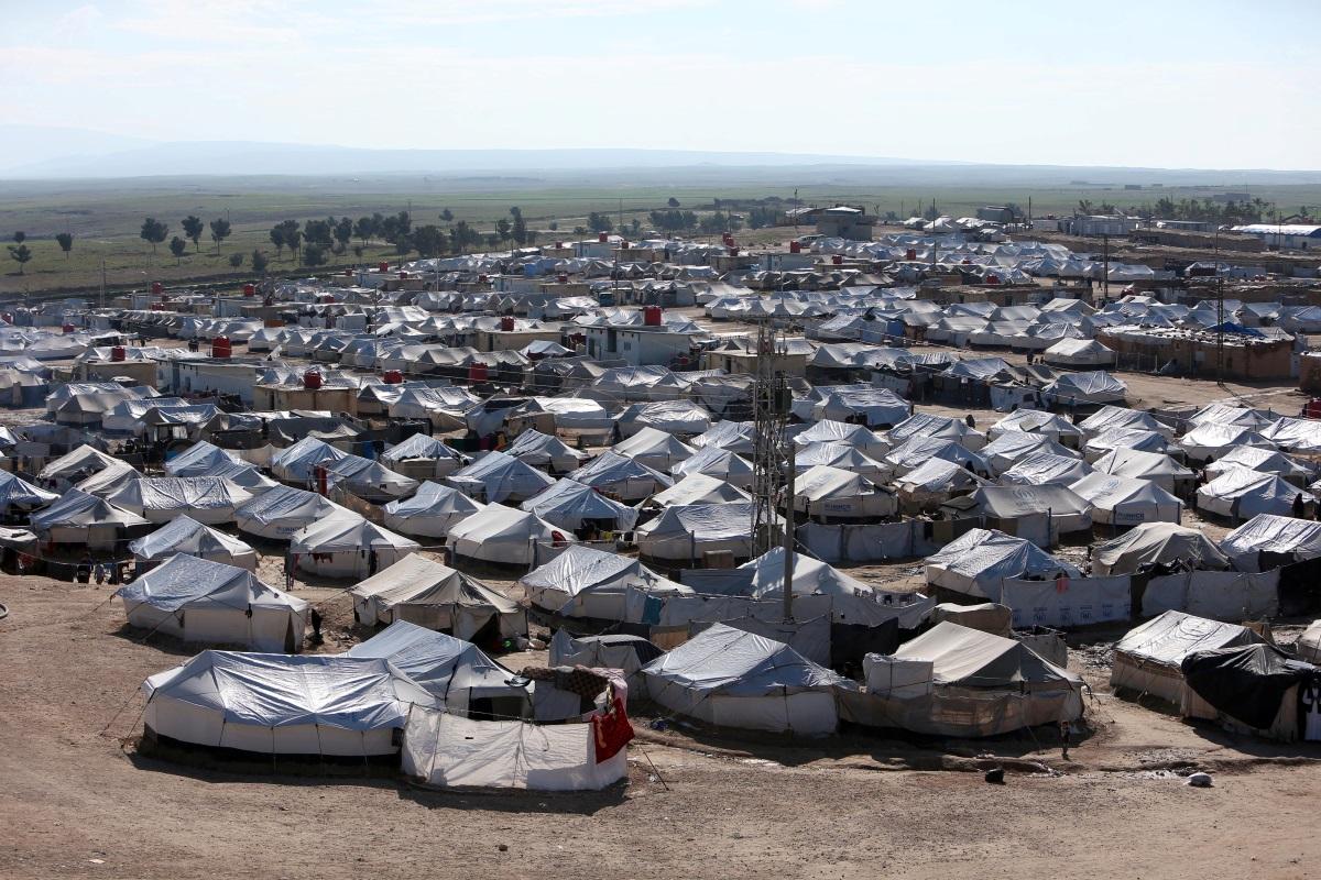 """Συρία: 125 """"μέλη"""" του Ισλαμικού Κράτους συνελήφθησαν στον καταυλισμό Αλ-Χολ"""