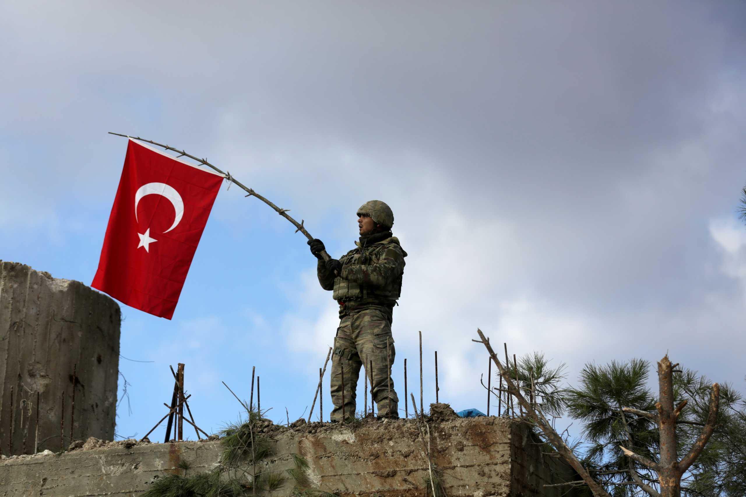 Συρία: Οι αντάρτες που υποστηρίζει η Τουρκία «λεηλατούν» το Αφρίν!