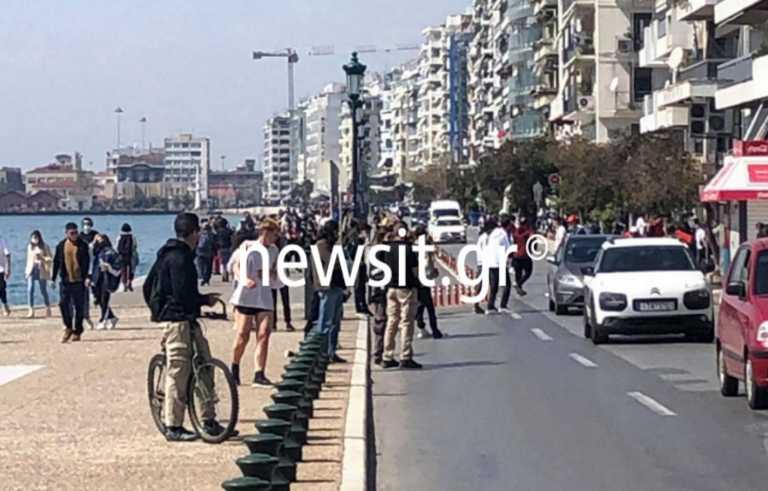 Θεσσαλονίκη: Βόλτες μετά την «κρυάδα» - Πλημμύρισε κόσμο η παραλία - Μποτιλιάρισμα στους δρόμους (pics)